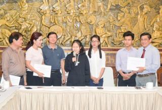 Lãnh đạo tỉnh họp mặt với Câu lạc bộ Doanh nhân Bến Tre tại TP. Hồ Chí Minh