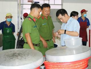 Công nhân nhập viện thuộc nhóm ăn chay