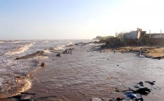 Người dân cồn Bửng chống chọi với sạt lở nghiêm trọng do xâm thực biển