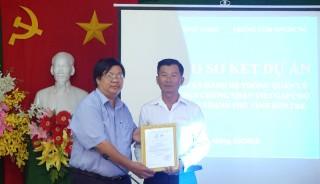 Trao giấy chứng nhận VietGAP lúa cho Hợp tác xã lúa tôm Thạnh Phú