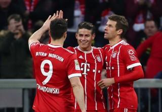 Đè bẹp Dortmund, B.M còn cách ngôi vô địch 2 điểm