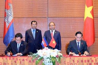 Ký biên bản cuộc họp về phân giới, cắm mốc Việt Nam - Campuchia