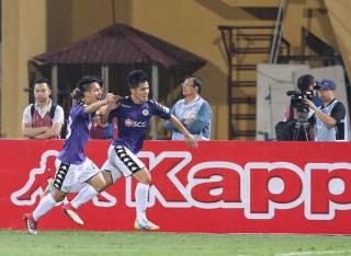 Hà Nội FC trở lại ngôi đầu bảng, Hoàng Anh Gia Lai thua sốc