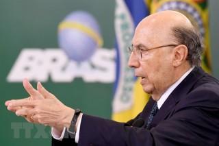 Một loạt bộ trưởng trong Chính phủ Brazil quyết định từ chức
