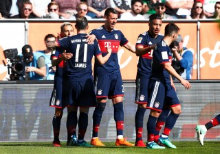 Thắng ngược Augsburg, B.M lần thứ 28 vô địch Đức