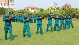 Thạnh Phú  huấn luyện lực lượng dân quân tự vệ