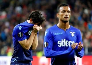 Thua 4 bàn trong 20 phút, Lazio bị loại khỏi Europa League