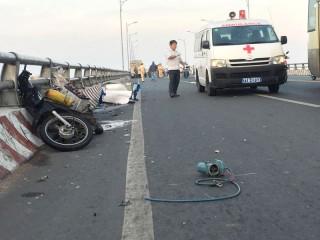 Tai nạn giao thông trên cầu Hàm Luông, 1 người tử vong