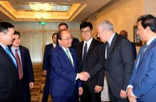 Thủ tướng tọa đàm bàn tròn với các công ty đa quốc gia Singapore