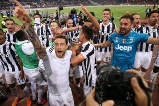 Juventus lần thứ 7 liên tiếp vô địch Serie A