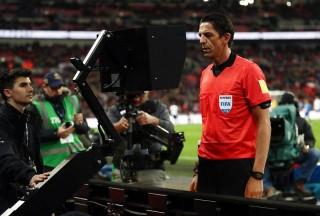 """Trọng tài được rút thẻ """"nguội"""" tại World Cup 2018"""