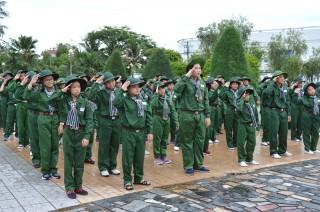 70 em thiếu nhi tham gia Học kỳ trong quân đội
