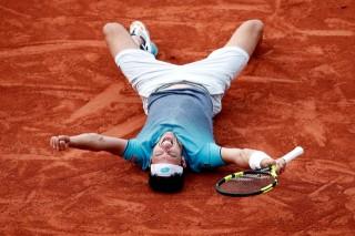 Cecchinato loại Djokovic ở tứ kết Roland Garros