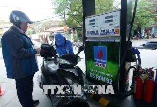 Giá xăng dầu ngừng tăng