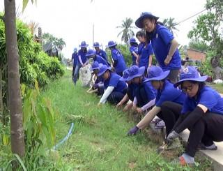 Thăm chiến sĩ Mùa hè xanh tại xã Vĩnh Thành