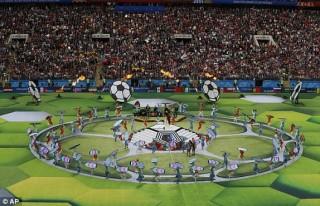 Lễ khai mạc World Cup 2018 diễn ra sôi động và sâu lắng