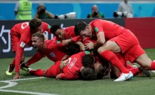 Kane lập cú đúp, giải cứu tuyển Anh trước Tunisia