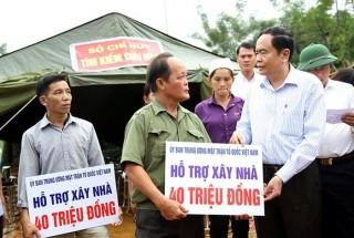 Mặt trận Tổ quốc Việt Nam thăm hỏi và hỗ trợ bà con vùng lũ
