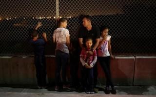 17 bang của Mỹ kiện sắc lệnh nhập cư của Tổng thống Donald Trump