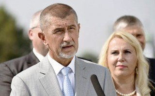 Séc có Chính phủ mới, chấm dứt bất ổn chính trị