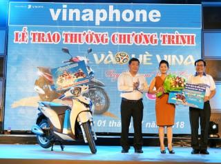 VNPT Bến Tre trao thưởng xe Honda SH Mode 125cc cho khách hàng