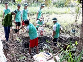 Thanh niên tình nguyện hè về các xã bãi ngang