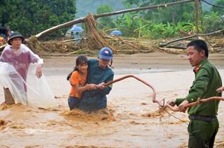 Yên Bái huy động hơn 17.000 người tìm kiếm cứu nạn, ứng phó mưa lũ