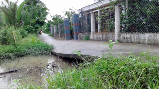 Người dân xã Lương Hòa lo lắng vì sạt lở