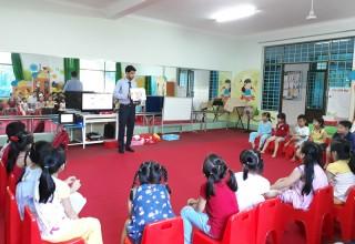 Tiếp tục thí điểm dạy tiếng Anh cho trẻ mầm non