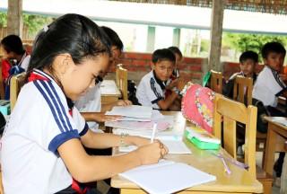 Tiếp tục tạm dừng cấp mới giấy phép hoạt động dạy thêm ngoài nhà trường