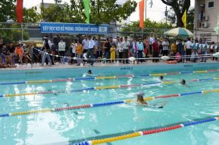 Học bơi để phòng, chống đuối nước