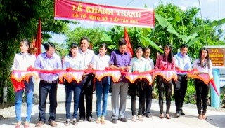 Ba Tri: Khánh thành đường xã Tân Xuân