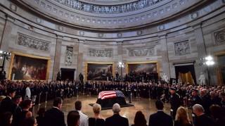 Mỹ tổ chức lễ truy điệu trang trọng cho cố Thượng nghị sĩ John McCain