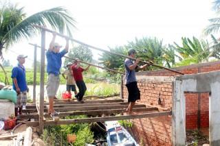 Vĩnh Bình khẩn trương khắc phục sạt lở cồn Phú Bình