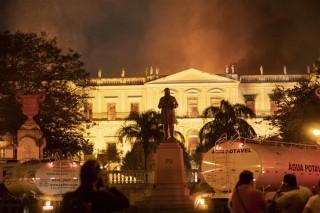 Cháy lớn trong đêm, Viện bảo tàng quốc gia Rio de Janeiro tổn thất nặng