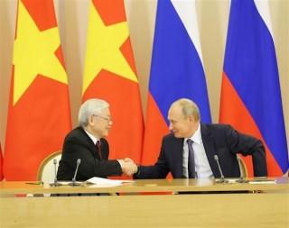 Việt Nam - Liên bang Nga tiến hành ký kết nhiều văn kiện hợp tác