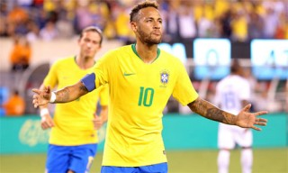 Neymar ghi bàn thứ 58 cho Brazil, tiệm cận thành tích của Ronaldo