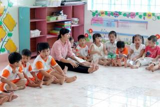 Giáo dục mầm non Chợ Lách: Tự học, tự bồi dưỡng nâng cao trình độ chuyên môn