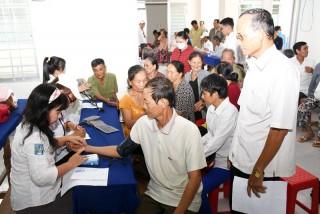 Khám chữa bệnh miễn phí cho người nghèo ở xã Bình Thành