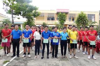Giải bóng chuyền dành cho cán bộ Hội và thanh niên chậm tiến