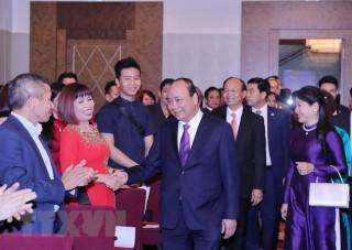 Thủ tướng Nguyễn Xuân Phúc gặp mặt cộng đồng người Việt tại Vienna