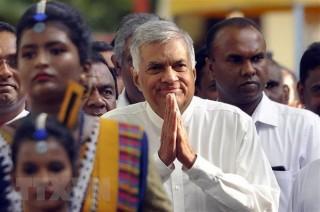 Khoảng 100.000 dân Sri Lanka biểu tình ủng hộ Thủ tướng bị cách chức