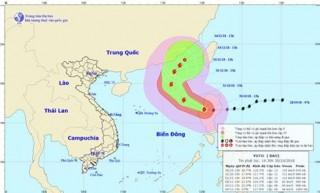 Bão Yutu gây mưa lớn, gió giật cấp 10-11 trên Biển Đông