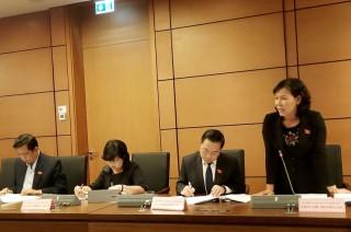 Đại biểu Quốc hội đơn vị tỉnh Bến Tre thảo luận Luật Giáo dục (sửa đổi)