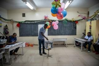 Đụng độ làm 4 người chết trong cuộc bầu cử tổng thống ở CHDC Congo