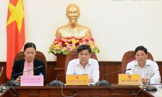 """Thủ tướng Chính phủ Nguyễn Xuân Phúc: """"Cán bộ ngành nông nghiệp hãy sống trong lòng nông dân"""""""
