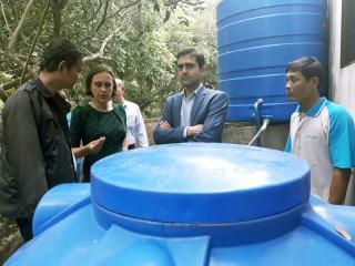 Đại sứ quán Vương quốc Bỉ tại Việt Nam thăm mô hình lọc nước sinh học tại Bình Đại