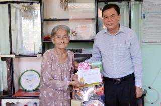 Bí thư Tỉnh ủy Võ Thành Hạo thăm, chúc Tết tại huyện Giồng Trôm, Ba Tri