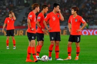 Hàn Quốc thua sốc Qatar, Australia bị UAE biến thành cựu vương