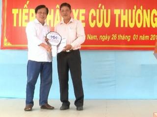 Trung tâm Y tế huyện Mỏ Cày Nam tiếp nhận xe cứu thương